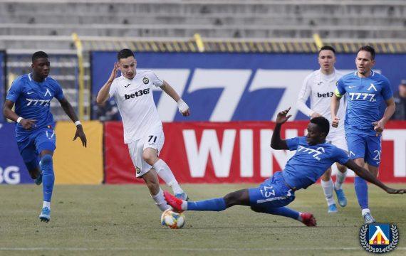 В парад на красивите голове: Славия вгорчи дебюта на Пенев и се залепи за Левски (ВИДЕО) | KotaSport