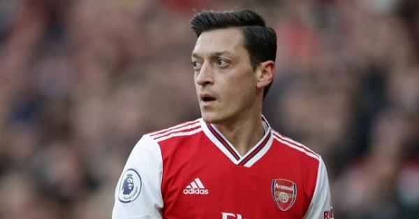 Чарли Николас: Арсенал трябва да се отърве от Йозил, Сократис и Мустафи