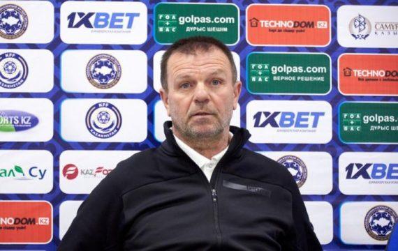 Стойчо Младенов: Гледах Левски-Лудогорец,радвам се,че феновете не са ме забравили