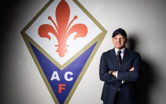 Якини остава начело на Фиорентина и през следващия сезон