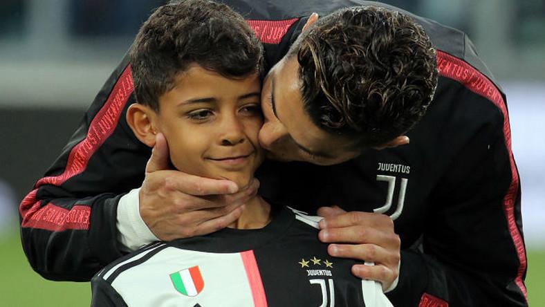 Полицията е по петите на 10-годишния син на Роналдо