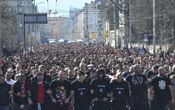 Хиляди остават извън стадиона. Полицията с мерки за охрана в центъра на София