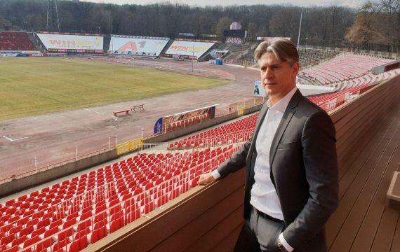 В Италия пак засилиха директор на ЦСКА-София в Англия