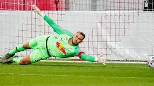 ИЗУМИТЕЛНО! Вратар спаси 3 дузпи за 2 минути в Шампионска лига (ВИДЕО) | KotaSport