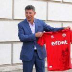 Красимир Балъков уточни, че всъщност е повишен в клуба си, а не уволнен