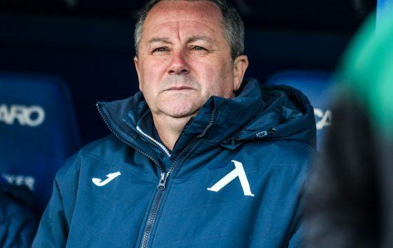 Какво е състоянието на треньора на Левски Славиша Стоянович?