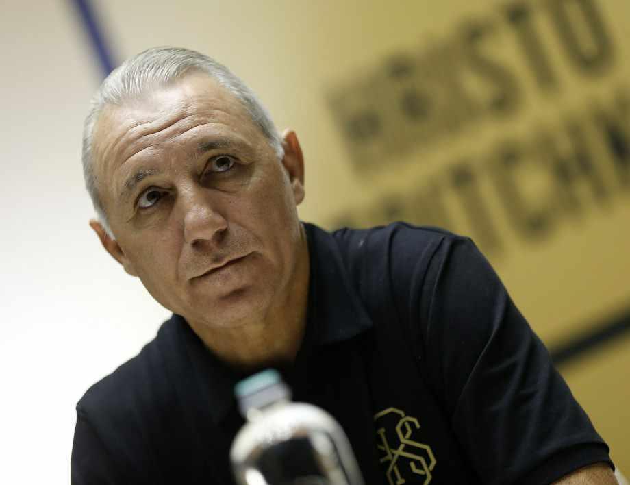 Христо Стоичков търси пари от Левски!