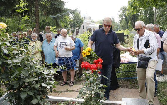 Ръководството на Левски почете паметта на Гунди и Котков (ВИДЕО)   KotaSport