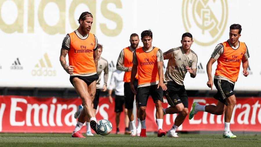 Реал спретна истинска тренировка за първи път от март