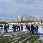 Футболисти и треньори в Черно море ринаха сняг (ВИДЕО)   KotaSport